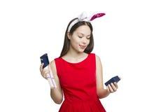 Regalo de la Navidad Días de fiesta mágicos Regalos de la Feliz Año Nuevo de la muchacha Imagen de archivo libre de regalías