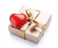 Regalo de la tarjeta del día de San Valentín Imagen de archivo libre de regalías