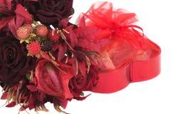 Regalo de las tarjetas del día de San Valentín Fotos de archivo libres de regalías