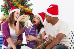 Regalo de Navidad de la apertura Fotografía de archivo