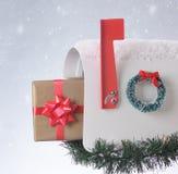 Regalo de Navidad en la caja aislada Imagen de archivo libre de regalías