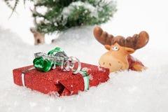 Regalo de Navidad encontrado Foto de archivo libre de regalías
