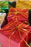 Regalo de Navidad rojo Imagen de archivo