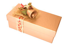 Regalo de oro de Navidad Fotos de archivo