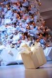 Regalo del Año Nuevo Foto de archivo libre de regalías
