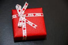 Regalo del amor Fotos de archivo libres de regalías