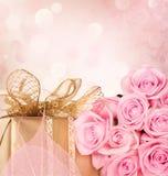 Regalo del día de tarjeta del día de San Valentín Fotografía de archivo