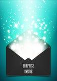 Regalo del sobre de la sorpresa con brillo Fotos de archivo