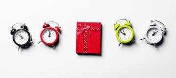 Regalo ed orologi Fotografia Stock Libera da Diritti