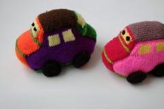 Regalo hecho a mano para los niños, coche de bebé de punto Imagen de archivo libre de regalías