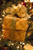 Regalo hermoso de la Navidad foto de archivo libre de regalías