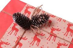Regalo por el Año Nuevo y la Navidad Imagen de archivo libre de regalías