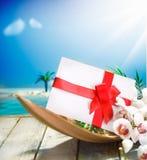 Regalo romantico nel paradiso tropicale Fotografie Stock