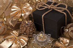 Regalo, velas, bolas del Año Nuevo Foto de archivo libre de regalías