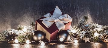 Regalo y decoraciones de la Navidad foto de archivo
