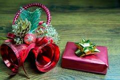 Regalo y decoraciones de la Navidad Fotografía de archivo