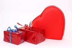 Regalos brillantes para el día de tarjeta del día de San Valentín Fotografía de archivo