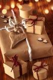 Regalos con el corazón para la Navidad Foto de archivo libre de regalías