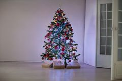 Regalos de la decoración de la Navidad del árbol del Año Nuevo Fotografía de archivo