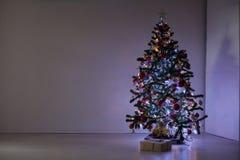 Regalos de la decoración de la Navidad del árbol del Año Nuevo Foto de archivo