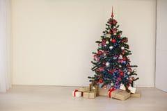 Regalos de la decoración de la Navidad del árbol del Año Nuevo Imagen de archivo