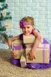 Regalos de la muchacha y de la Navidad Imagen de archivo libre de regalías