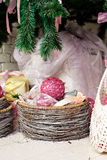 Regalos de la Navidad bajo el árbol de abeto Fotografía de archivo