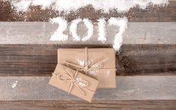 Regalos 2017 de la Navidad de la Feliz Año Nuevo Fotos de archivo libres de regalías