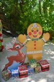 Regalos de la Navidad en la playa Foto de archivo