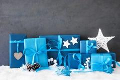Regalos de la Navidad, espacio de la copia, nieve Fotos de archivo