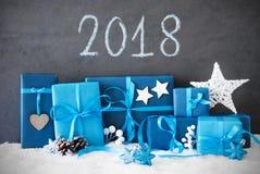 Regalos de la Navidad, nieve, texto 2018 Foto de archivo