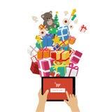 Regalos de la Navidad que ordenan en línea Imagen de archivo libre de regalías