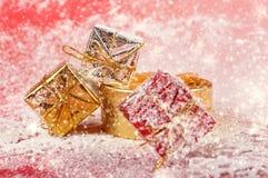 Regalos de la Navidad y del Año Nuevo Foto de archivo libre de regalías