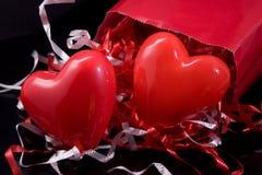 Regalos de las tarjetas del día de San Valentín Fotos de archivo libres de regalías