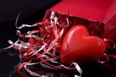 Regalos de las tarjetas del día de San Valentín Fotografía de archivo