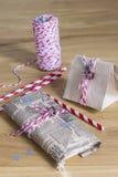 Regalos de Navidad embalados Foto de archivo libre de regalías