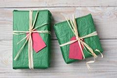 Regalos de Navidad verdes Imagen de archivo