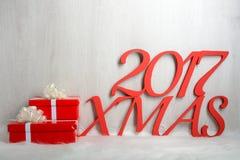 Regalos del número 2017 y de la Navidad Foto de archivo
