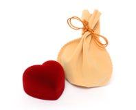 Regalos el día de tarjeta del día de San Valentín Fotos de archivo libres de regalías