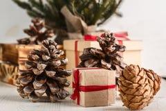 Regalos por Año Nuevo o la Navidad Imagen de archivo