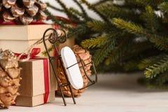 Regalos por Año Nuevo o la Navidad Imagenes de archivo