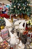 Regalos y ornamentos de la Navidad Imagen de archivo libre de regalías