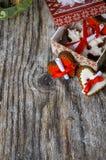 Regalos y tortas de la Navidad imagen de archivo