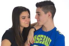 Regard Complicit de deux adolescents ils s'aiment images stock