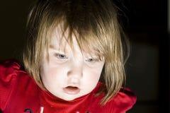 Regard d'enfant d'émerveillement Photographie stock libre de droits