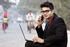 Regard d'entreprise modèle masculin indien des employés photographie stock