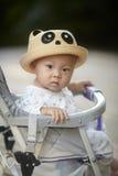 Regard de bébé garçon Photographie stock