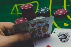 regard de joueur de jeu de poker image stock