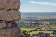 Regard du mur du château de Trujillo Photo libre de droits