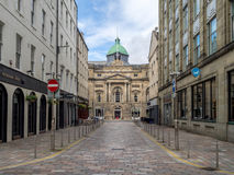 Regard en bas de Garth Street aux commerces Hall Images stock